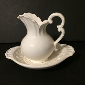 Other - Vintage inarco Japan pitcher in basin